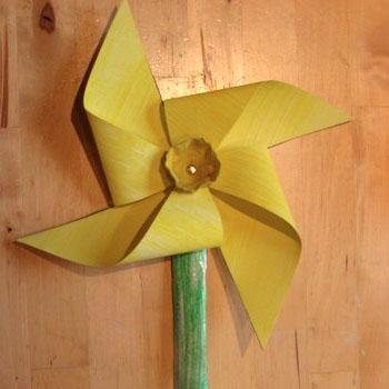 Pinwheel daffodil make